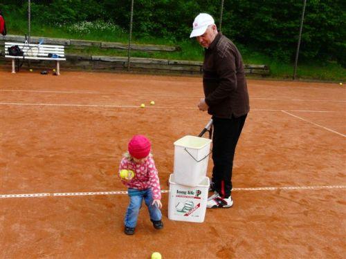 tenniskinder2012-30
